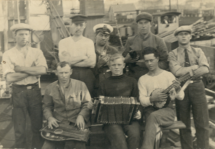 Besætning på ST. THOMAS