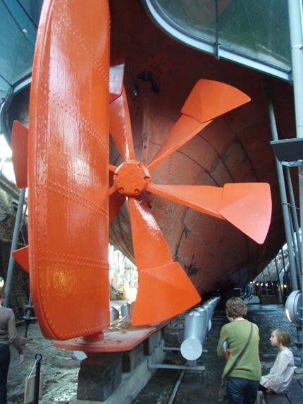 Kopi af Brunels seksbladet skrue