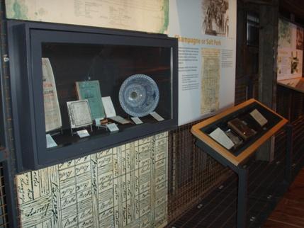 Original genstande udstillet i museet